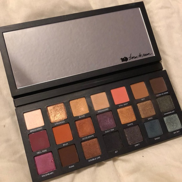 Urban Decay Born to Run eyeshadow pallet
